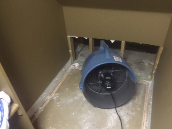 Crawl Space Drying after Air Conditioning Leaked in Mineral Wells, TX (1)