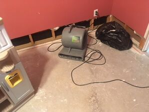 Supply Line Burst Causing Water Damage in Mineral Wells, TX (2)